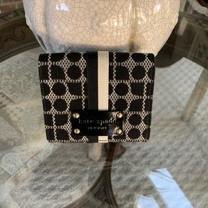 KATE SPADE POSEY CLASSIC NOEL BROCADE & LEATHER WALLET!♠️